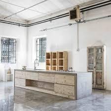 cuisine bois beton intérieurs modernes en béton et bois une alliance harmonieuse