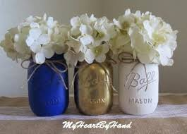Rustic Mason Jar Centerpieces For Weddings by Best 25 Distressed Mason Jars Ideas On Pinterest Paint Mason