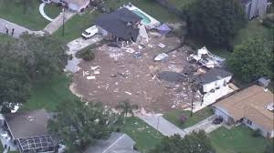 Sinkhole Florida Map by Massive Florida Sinkhole Grows As 2 More Homes Condemned Cbs News