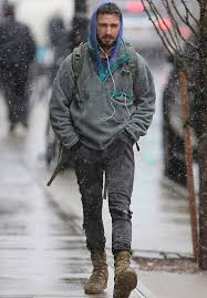patagonia s boots shia labeouf wears patagonia lightweight synchilla snap t fleece