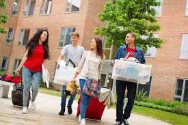 assurance chambre udiant comment obtenir une place en logement étudiant lesfurets com