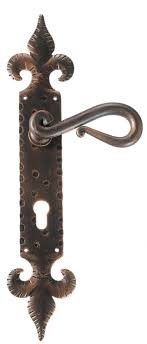 maniglie porte antiche maniglia effetto antico per porte acquista galbusera windowo