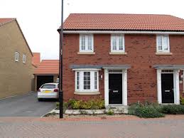 3 bedroom semi detached for sale in derwent drive lakeside