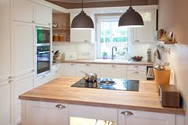 weiße küche mit holz kuche weiss mit holz poipuview