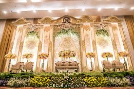 Engagement Decoration Ideas Home by Glamour And Modern Javanese Wedding By Joelle Decoration