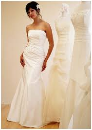 wedding dresses for rent best 25 gowns for rent ideas on lace wedding dress