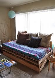 palette canapé home garden 20 idées pour transformer des palettes en canapé