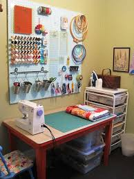 Design A Craft Room - best 25 small sewing space ideas on pinterest small sewing