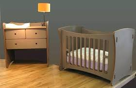 chambre bebe bois massif lit bebe bois massif chambre bebe puro pinolino lit bebe bois