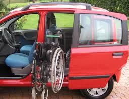 auto con porte scorrevoli porta posteriore sinistra rototraslante