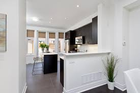 Kitchen Cabinets In Mississauga by Sold Executive Townhome In Applewood Mississauga The Village Guru