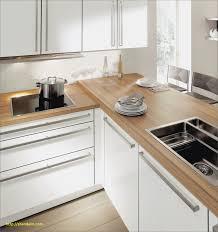 cuisine blanche plan de travail bois plan de travail cuisine blanche modele cuisine but modele