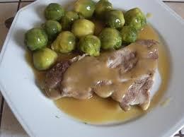 cuisiner choux de bruxelles frais côte de porc et choux de bruxelles par blanca45 une recette de fan