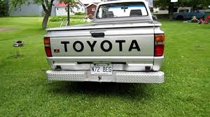 old 1987 toyota pick up truck hilux 2 4d diesel engine part 2