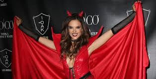 alessandra ambrosio was a red devil on halloween