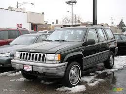 light green jeep cherokee 1995 moss green pearl jeep grand cherokee laredo 4x4 33496514