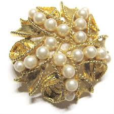 broach flower pin bridal pearl gold cocktail party mothers