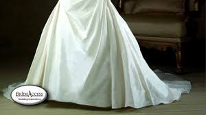 clean wedding dress how to clean a wedding dress and remove wrinkles