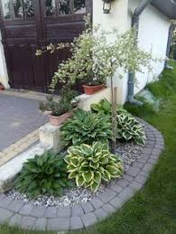 Modern Front Yard Desert Landscaping With Palm Tree And 50 Modern Front Yard Designs And Ideas Succulents Garden