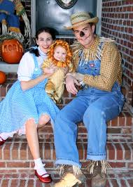 dorothy halloween costumes for kids costume parade parade fabulous family costumes costumes