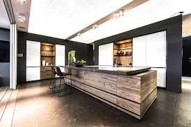 cuisine en bois massif moderne ilot central cuisine bois massif cuisine en image