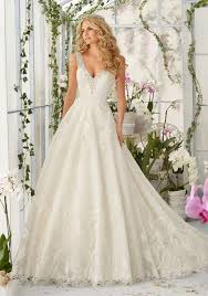 different wedding dress shapes tulle wedding dress with embroidered lace appliques style 2813