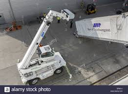 merlo rotating telescopic handler lowers the gangway at