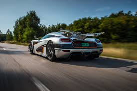koenigsegg cc8s 2015 watch koenigsegg one 1 smashes agera r u0027s 0 300 0 km h time evo