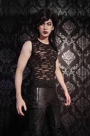 maquillage gothique homme shirt homme gothique punk rock déchiré