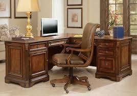 bureau en bois massif le bureau en bois massif est une classique qui ne se démode pas