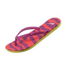 imagenes zandalias nike camina cómodamente y disfruta de la frescura de las sandalias nike