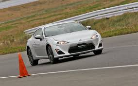 subaru brz vs scion fr s 2013 subaru brz 2013 scion fr s epa rated at 25 34 mpg