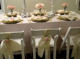 pale pink table cover gold chargers roses and table linens on pinterest