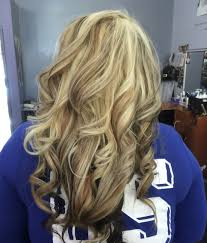 low light colors for blonde hair golden blonde hair heavy light blonde highlight with caramel and