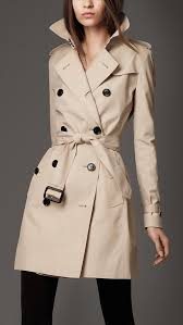 https i pinimg 736x 25 39 5b 25395b619d4f1ca best 25 burberry trench ideas on trench coats