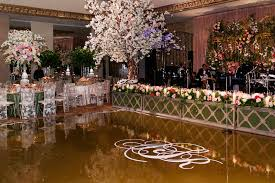 wedding backdrop monogram wedding ideas nature inspired manicured hedge wedding décor