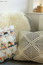 Knitted Cushions Free Patterns 83 Best Pillows Crochet Images On Pinterest Crochet Cushions
