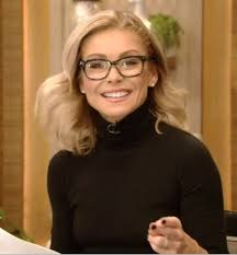 how to get kelly ripa wavy hair the most awesome images on the internet kelly ripa eye glasses