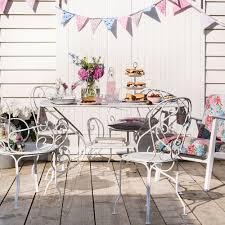clean and restore garden furniture