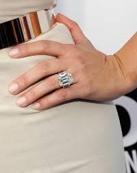 Beyonce Wedding Ring by Wedding Rings 2011 Vh1 Do Something Awards Red Carpet Beyonce