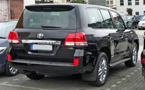 toyota cruiser file toyota land cruiser v8 rear jpg wikimedia commons