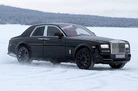 2018 rolls royce cullinan rolls royce phantom to keep halo role autocar