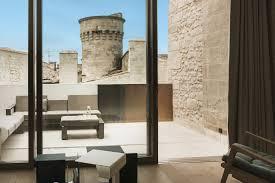 the white room hotel de tourrel in saint rémy de provence