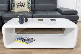 the seamless curved shape and white high gloss finish of the