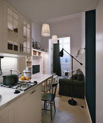 cuisine en longueur am駭agement design interieur comment aménager cuisine longueur tablette petit