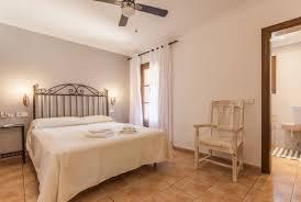 Schlafzimmer Julietta Fincas Im Norden Fincas Und Ferienhäuser Auf Mallorca Mieten