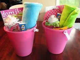 theme gifts theme basket ideas visit justagirlblog gifts