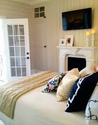 White And Gold Bedroom Ideas Blue And Gold Bedroom Parquet Flooring White Clothed Pillow Pink