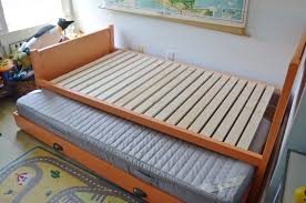 diy trundle bed at charlotte u0027s house