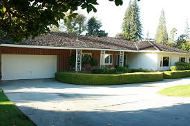exterior house colors for ranch style houses built in the 1970s